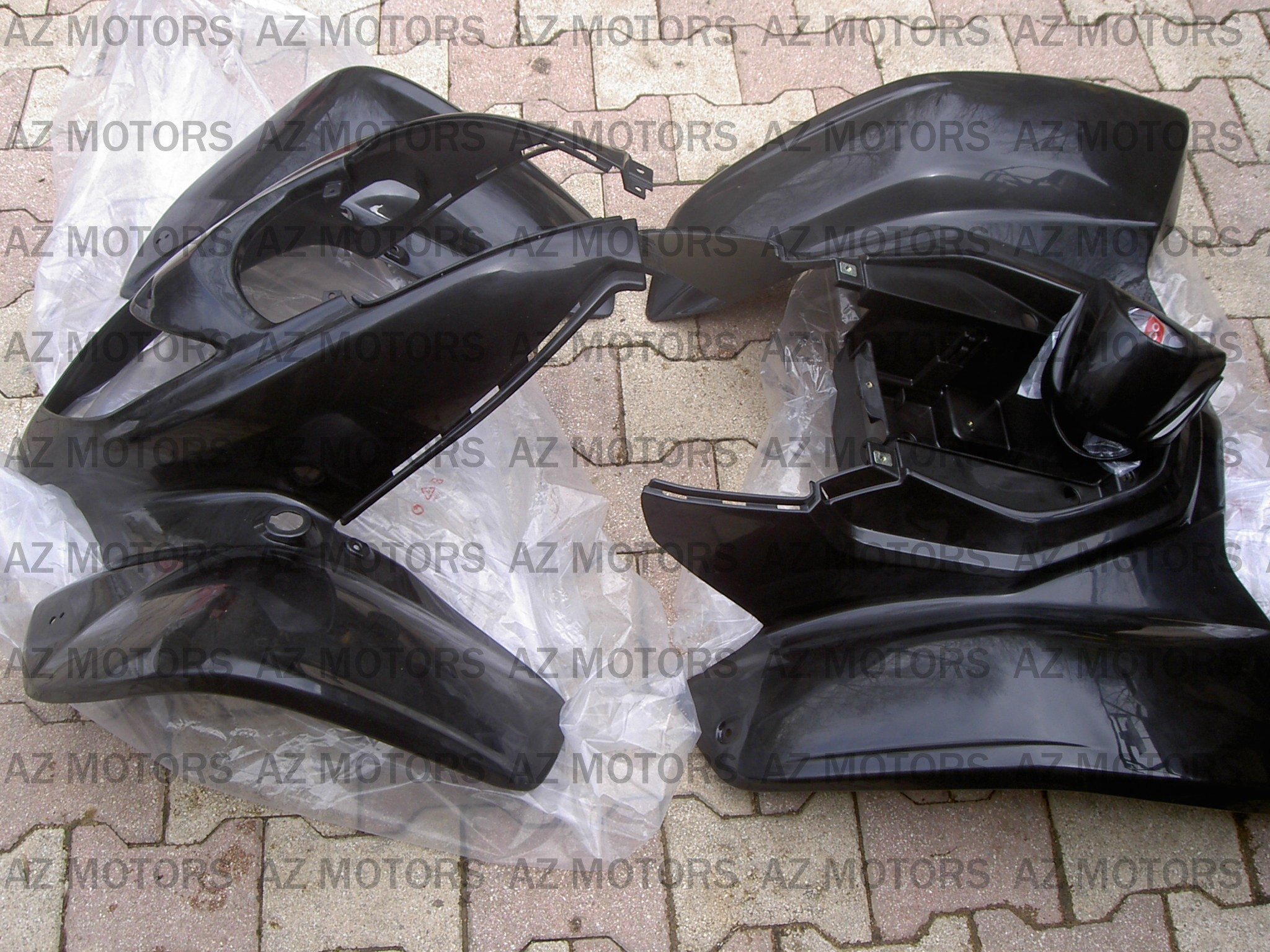 LOT DE CARENAGES KYMCO 250 KXR/MAXXER 
